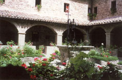 Spiritual Meditation & Mindfulness Retreats in Assisi, Italy, Europe courtyard photo